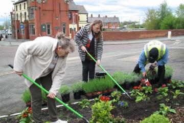 Supported by the Friends of Ellesmere Port Station